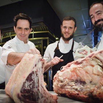 Juan Gaffuri y su equipo de cocina del Four Seasons Hotel BA