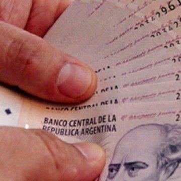 pesos-argentinos-1560x690_c