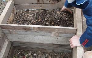 compostera domiciliaria, abono, compost, tierra