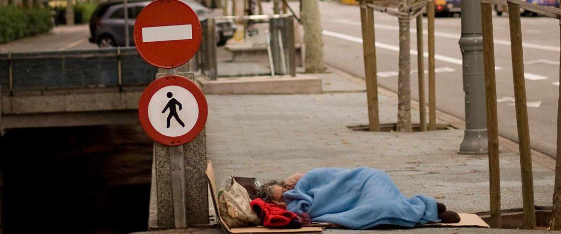 pobreza frío hipotermia, frazadas