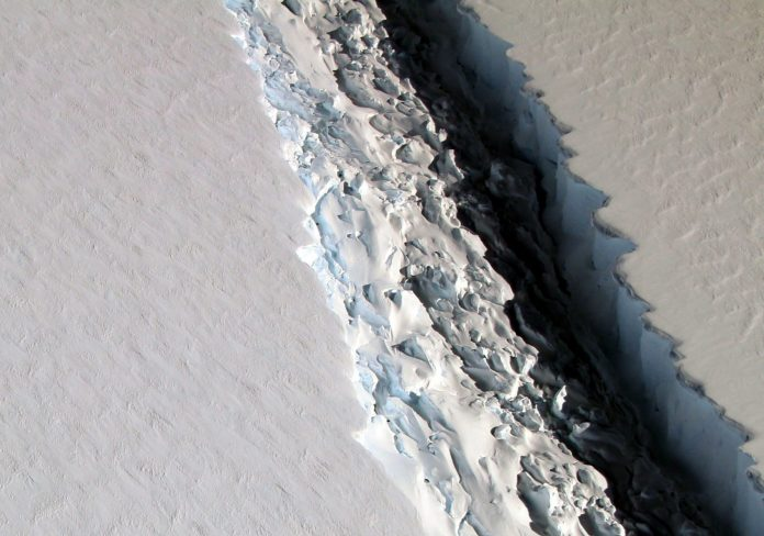 0207_ice-shelf-696x488