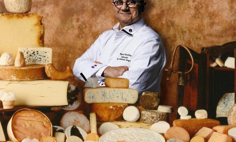Roland Barthelemy con quesos