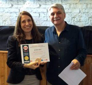 Graciela Roca y Daniel López Roca en la premiación